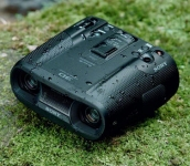 Sony DEV-50 Digital Binocular captures 3D HD video and high resolution still images