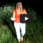 Very funny video - TV reporter shows how to stay safe around bears