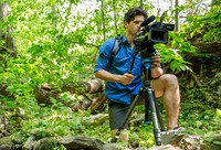 The new Benro Aero 7 is a comapct travel video tripod for on the go videomakers